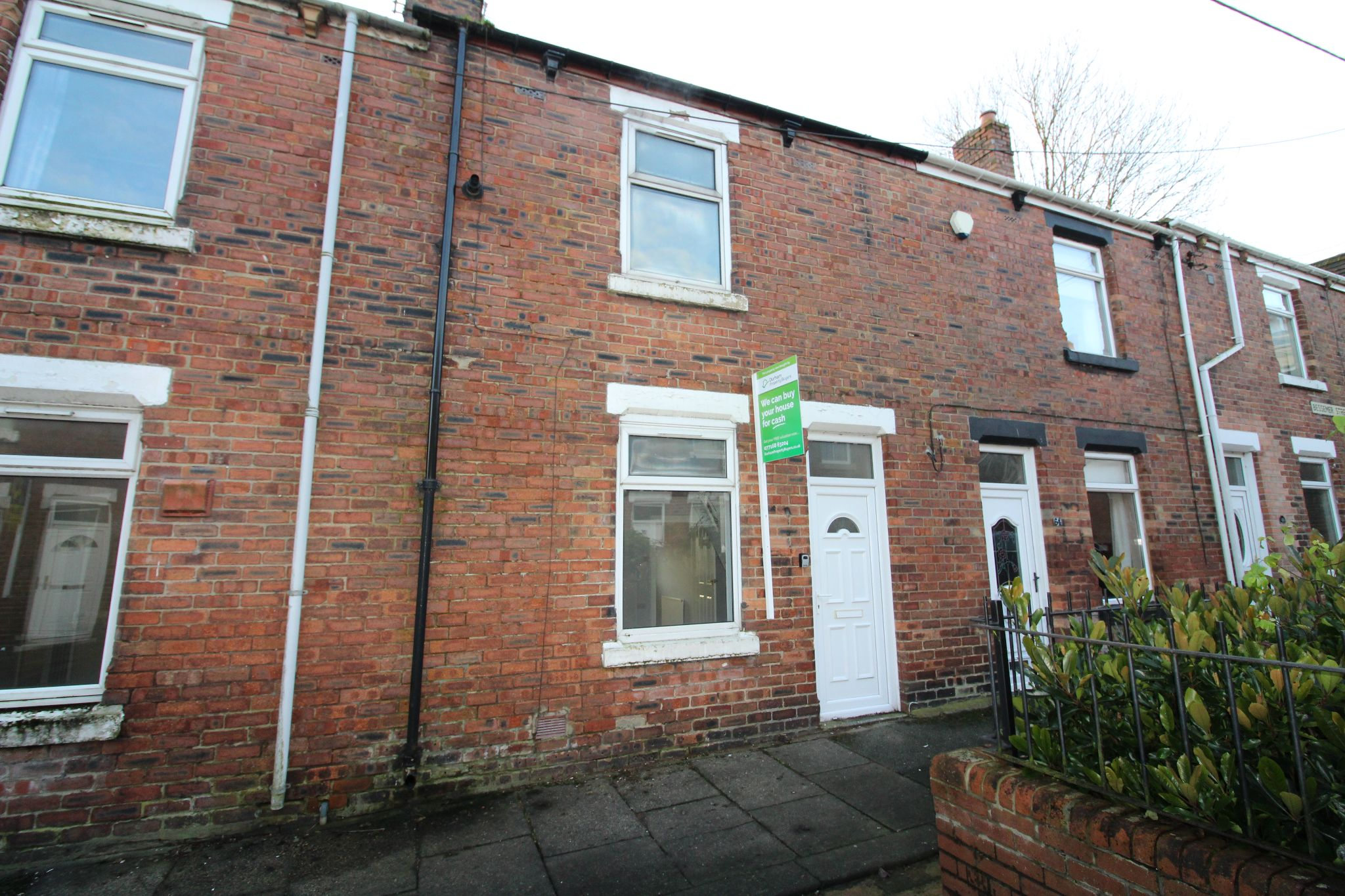 2 bedroom mid terraced house Let in Ferryhill - Photograph 3.