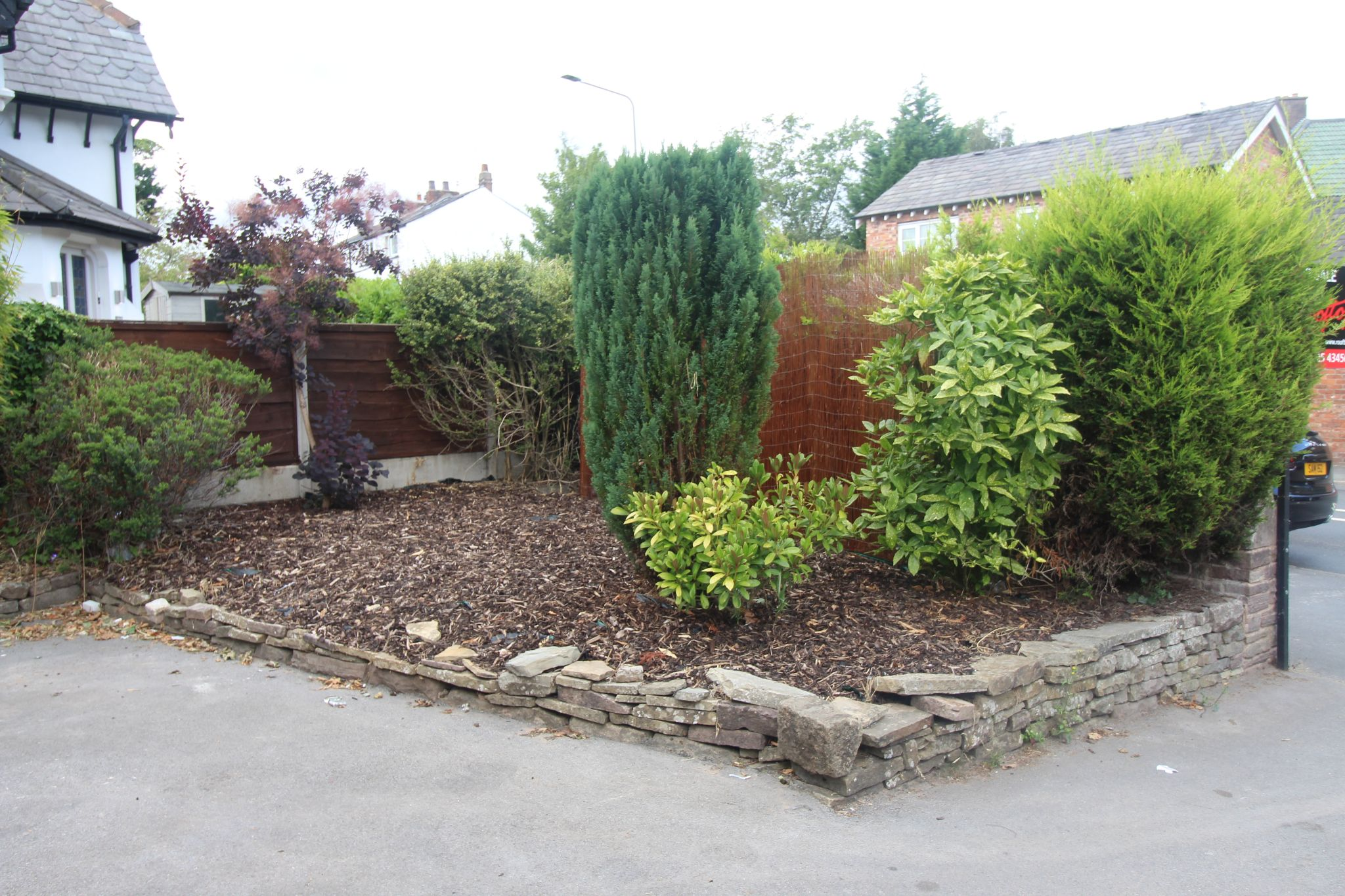 3 Bedroom Detached House For Sale - Driveway