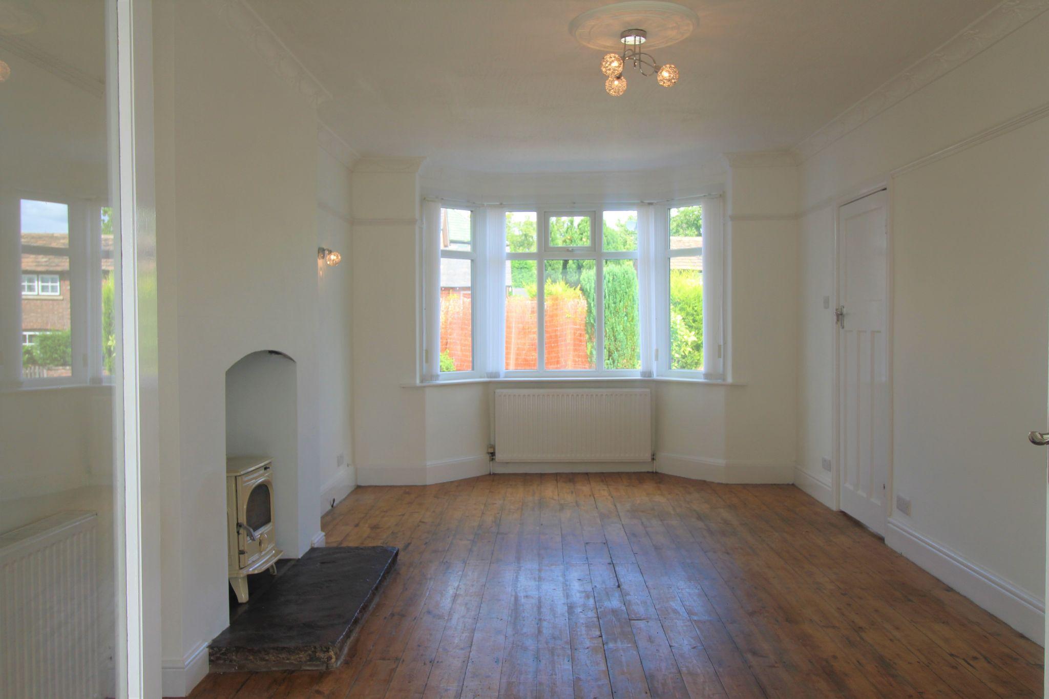 3 Bedroom Detached House For Sale - living room