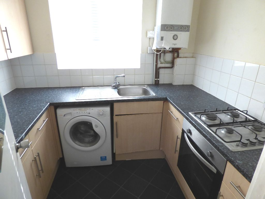 1 Bedroom Bedsit Flat/apartment For Sale - Photograph 9