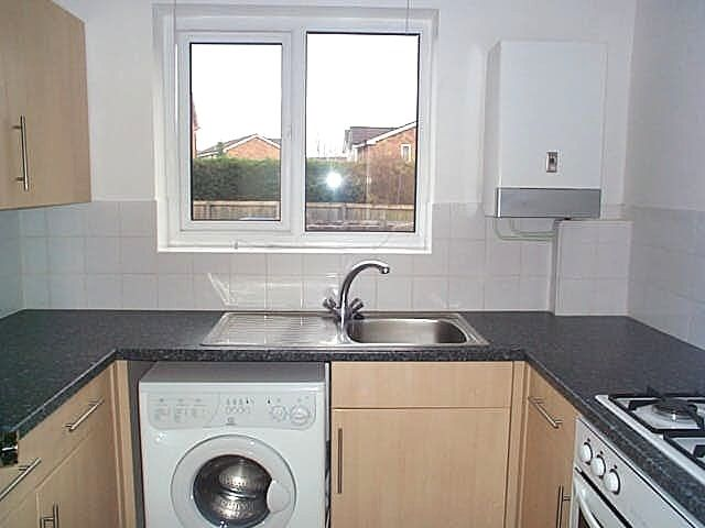 1 Bedroom Bedsit Flat/apartment For Sale - Photograph 3