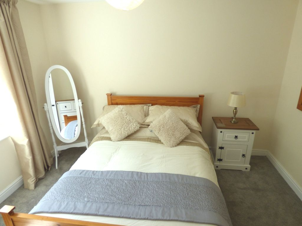 2 Bedroom Apartment Flat/apartment For Sale - Photograph 20