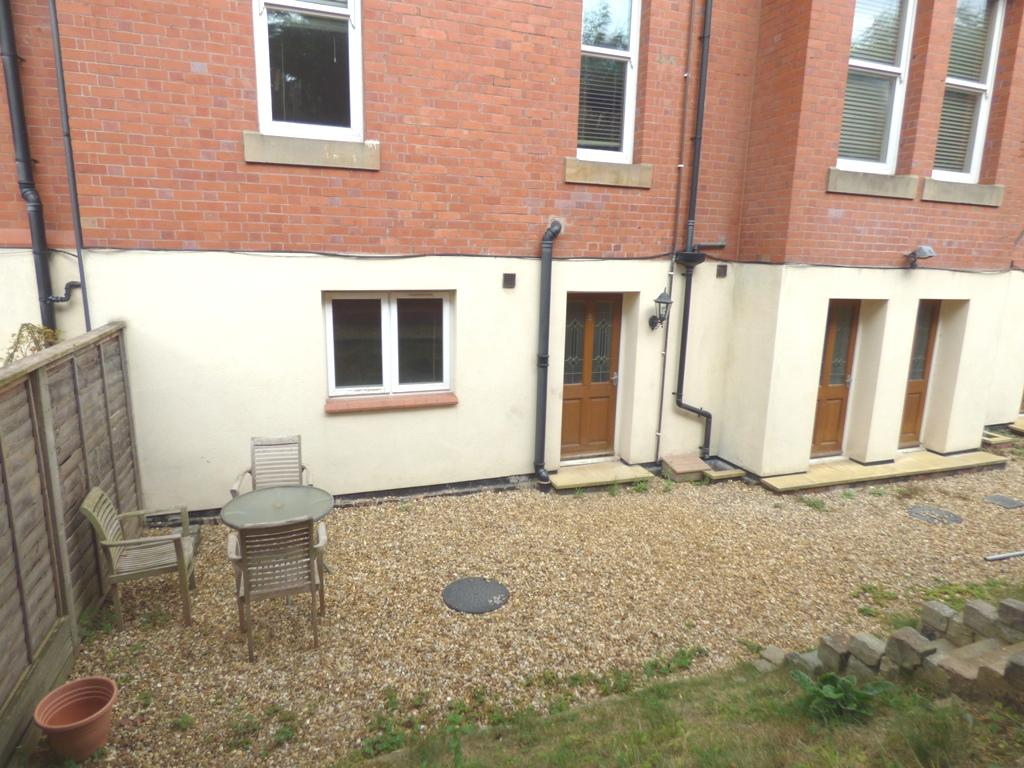 2 Bedroom Flat Flat/apartment For Sale - Photograph 26