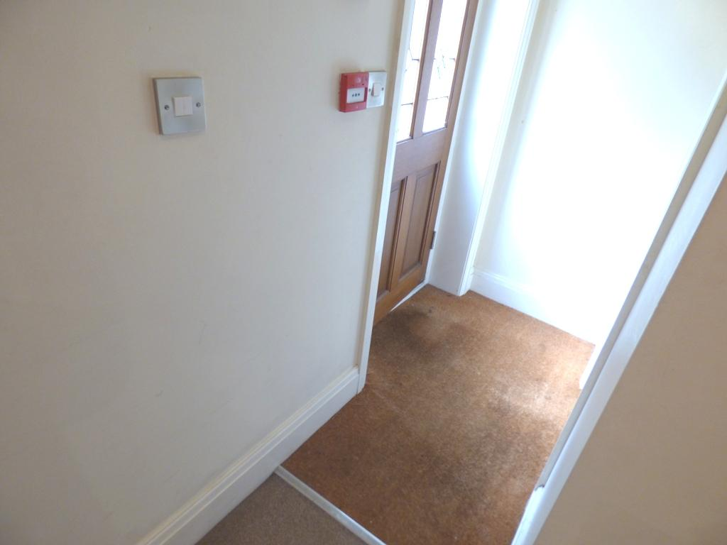 2 Bedroom Flat Flat/apartment For Sale - Photograph 24