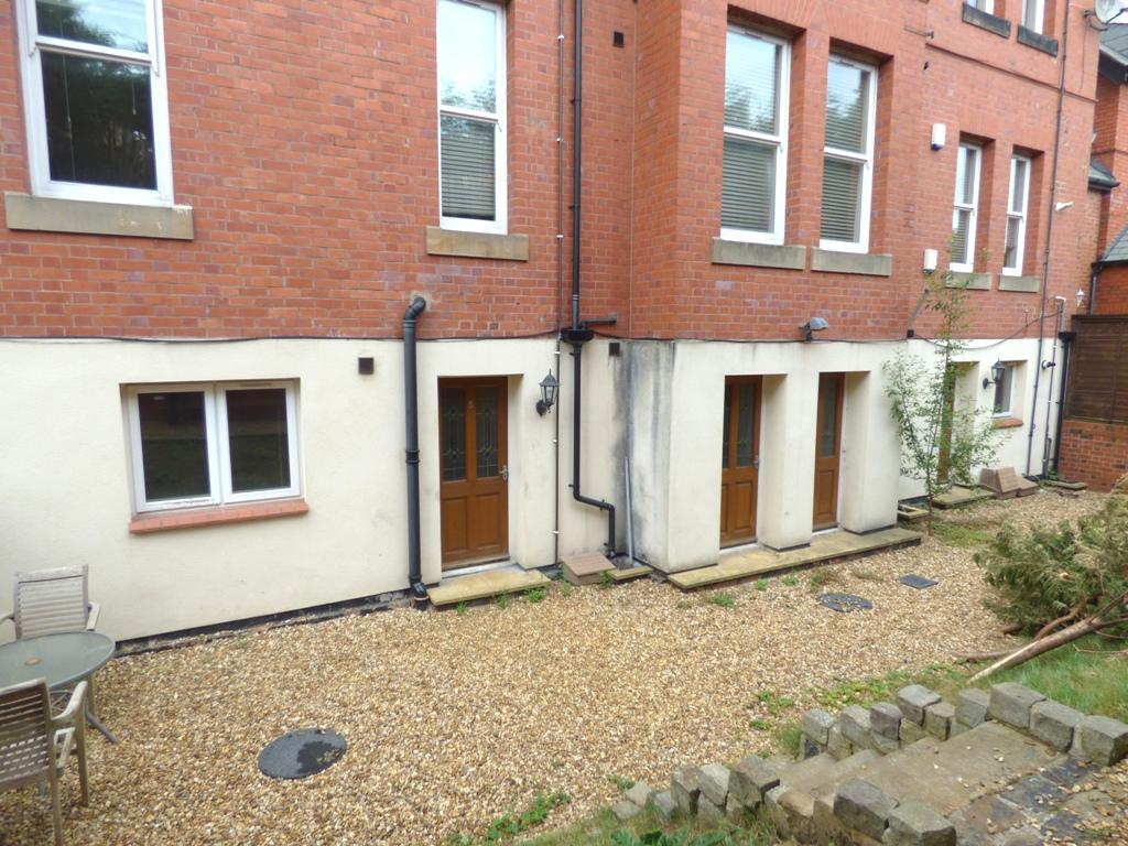 2 Bedroom Flat Flat/apartment For Sale - Photograph 20