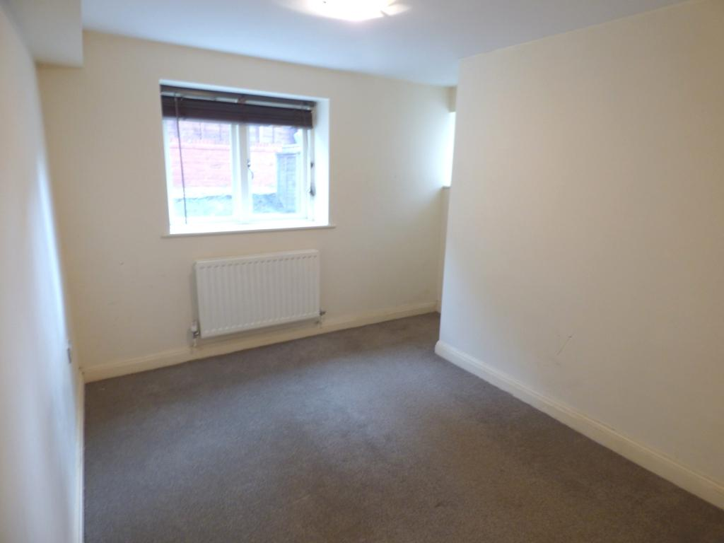 2 Bedroom Flat Flat/apartment For Sale - Photograph 13
