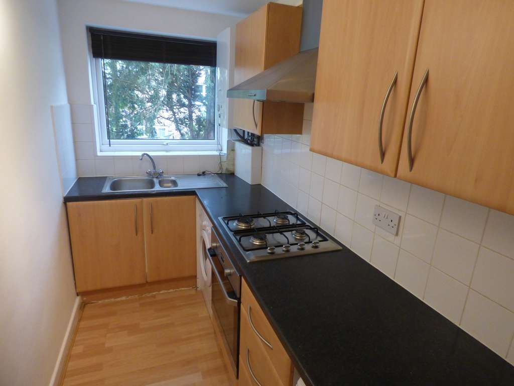 2 Bedroom Apartment Flat/apartment For Sale - Photograph 7