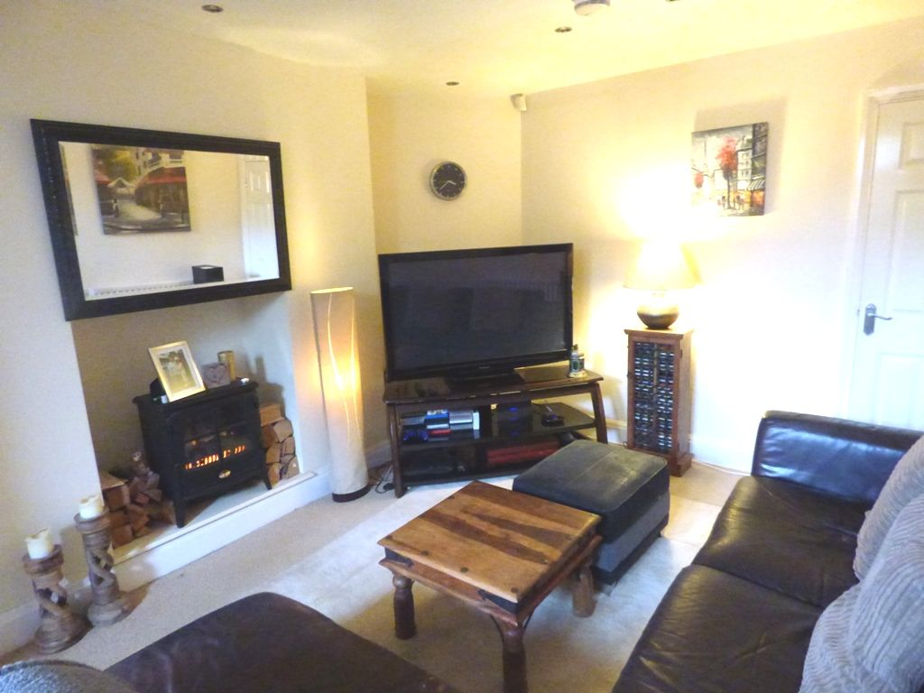 2 Bedroom Mid Terraced House For Sale - Photograph 34