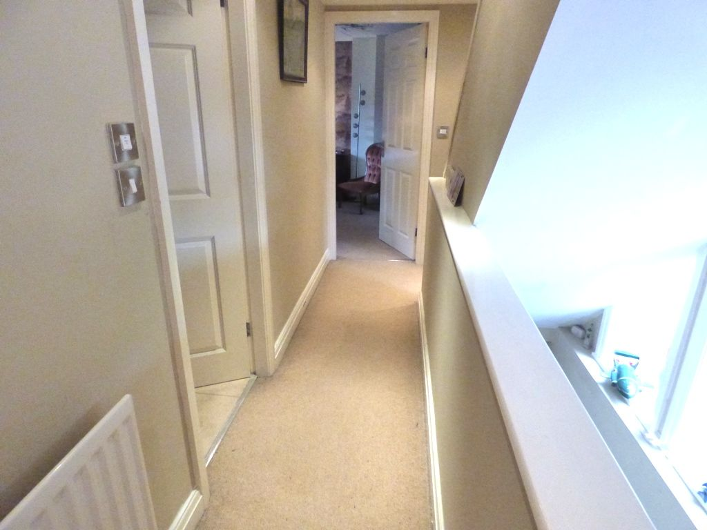 2 Bedroom Mid Terraced House For Sale - Photograph 27