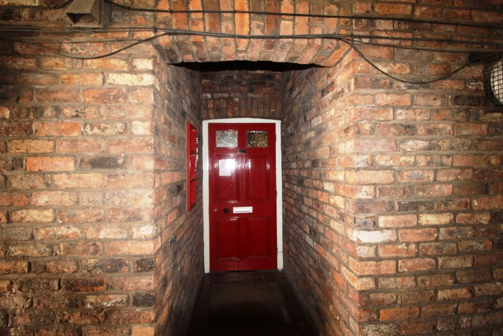 1 Bedroom Ground Floor Flat/apartment For Sale - Photograph 10