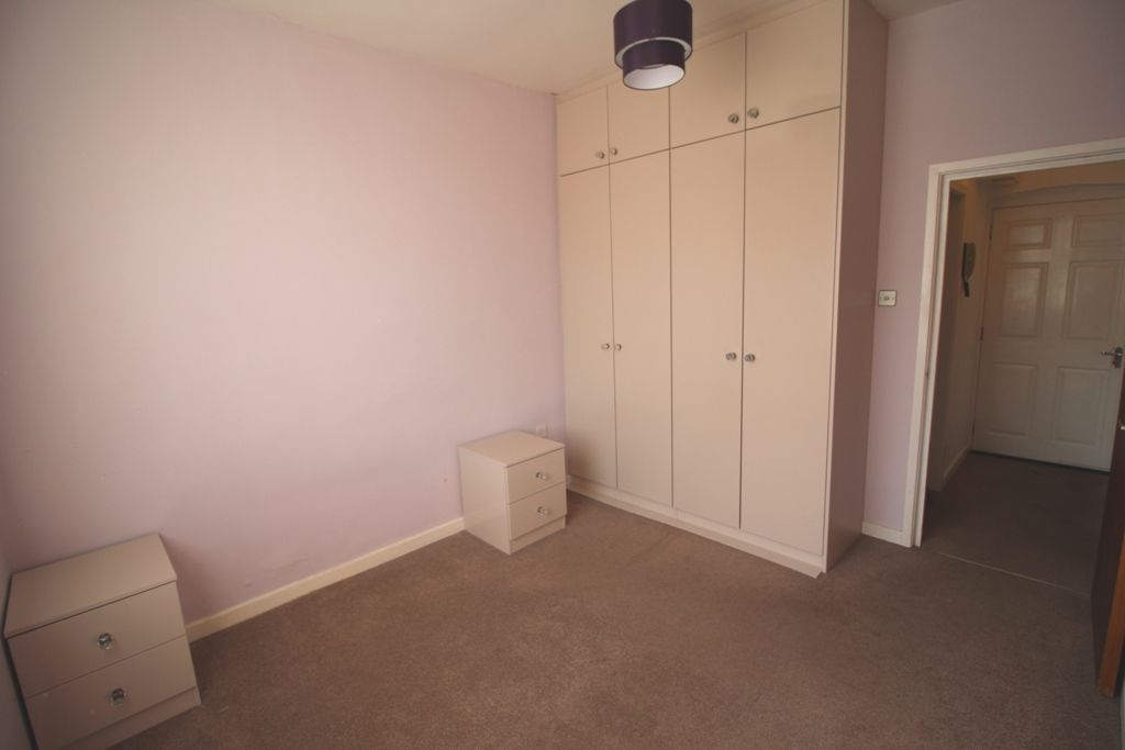1 Bedroom Ground Floor Flat/apartment For Sale - Photograph 8