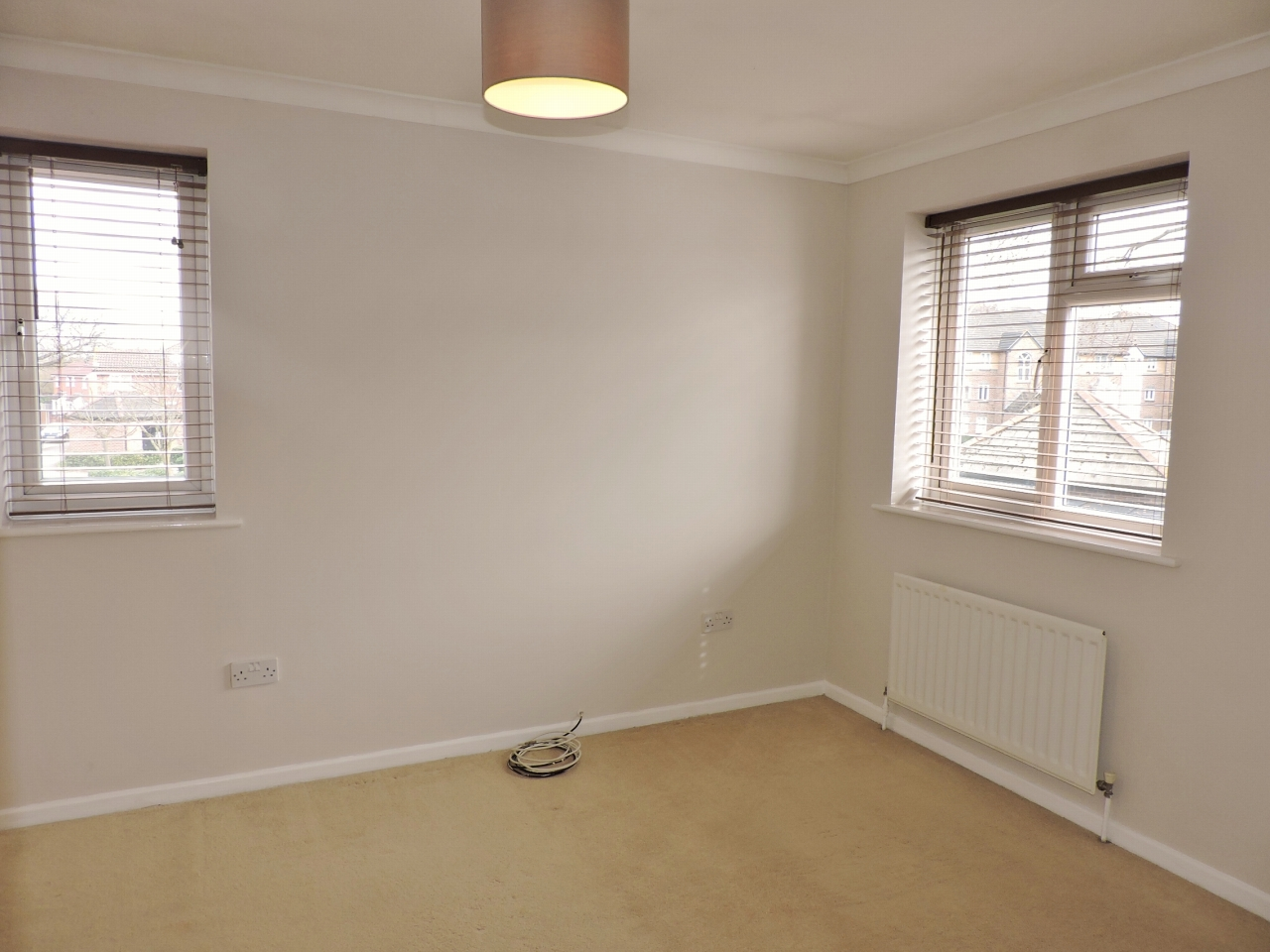1 bedroom end terraced house Let in Worcester Park - Photograph 6