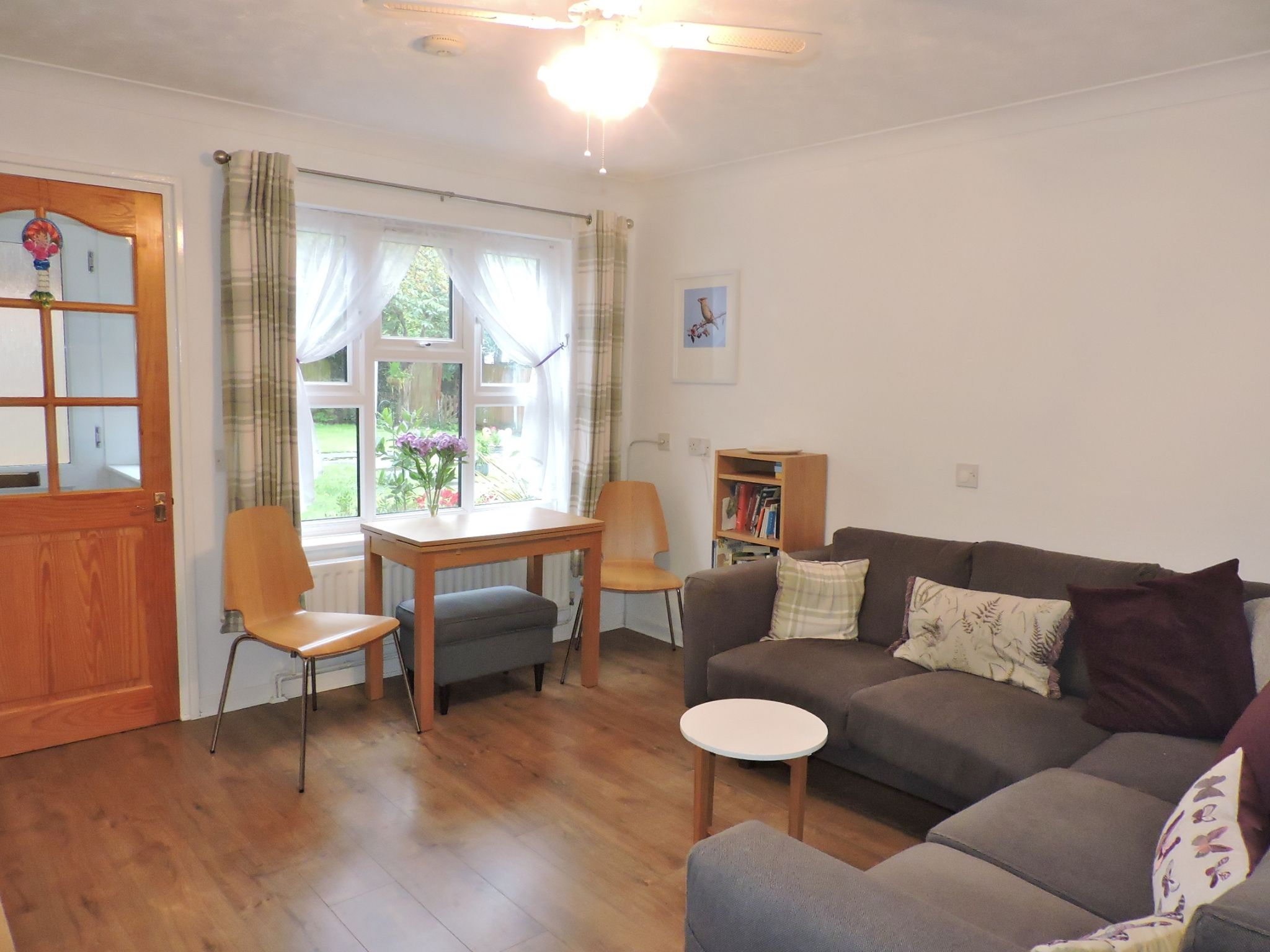 1 bedroom ground floor maisonette flat/apartment Sale Agreed in New Malden - Photograph 2