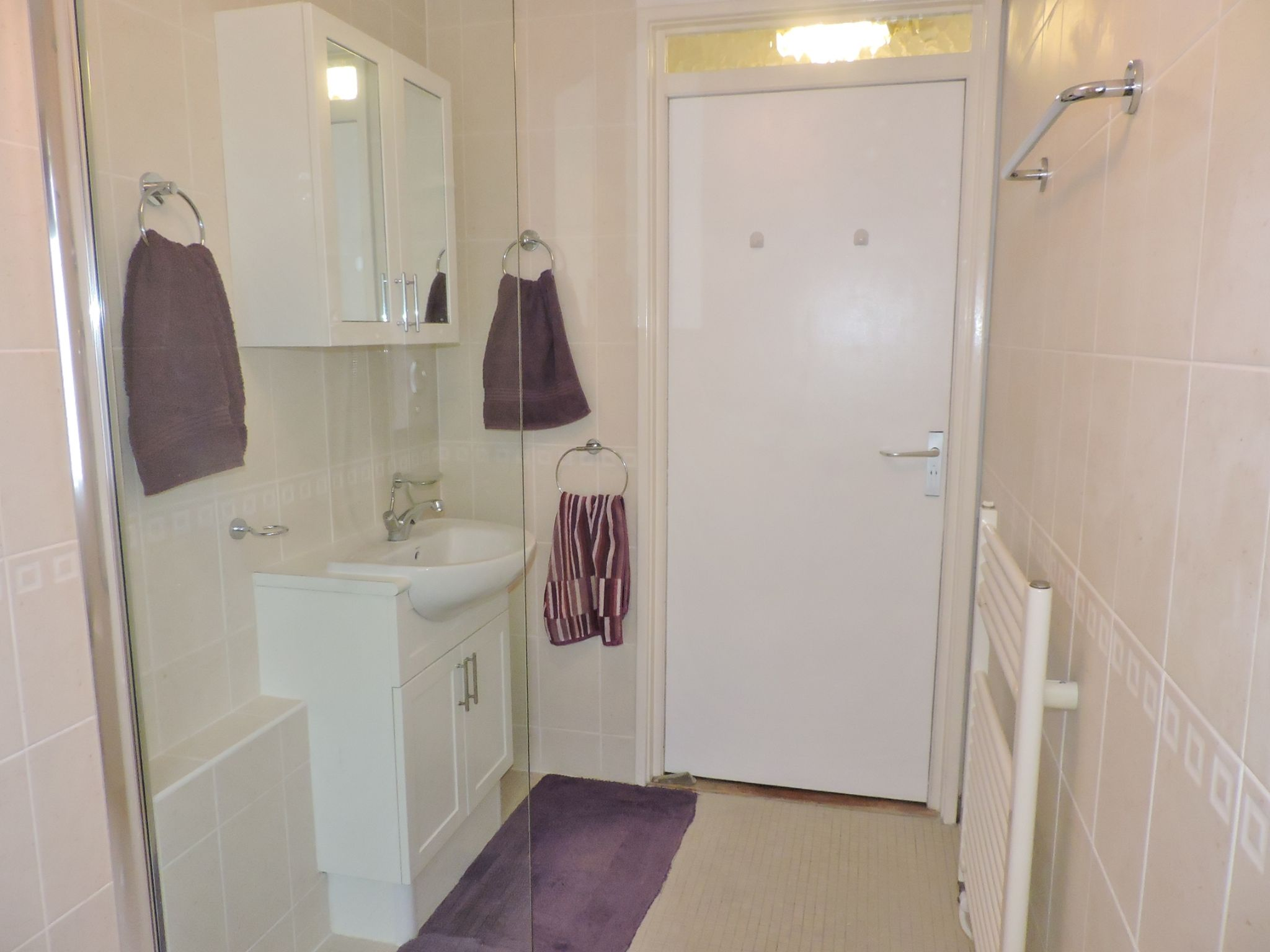 1 bedroom ground floor maisonette flat/apartment Sale Agreed in New Malden - Photograph 9