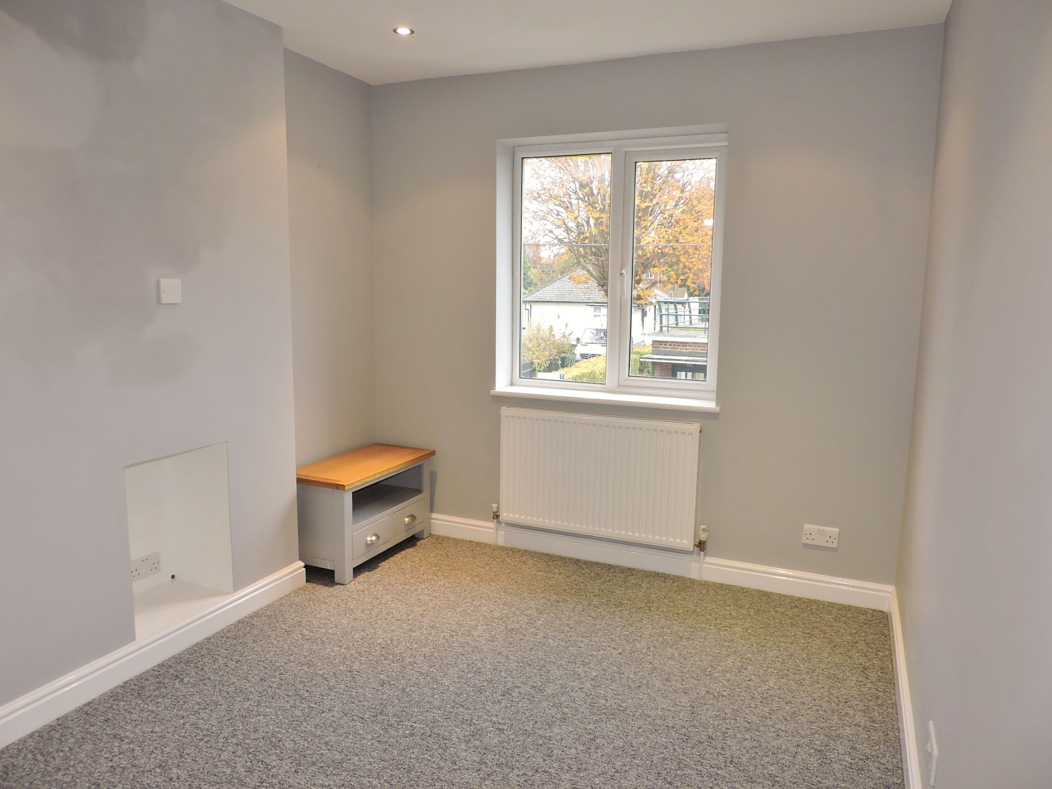 1 bedroom maisonette flat/apartment To Let in Cobham - Property photograph