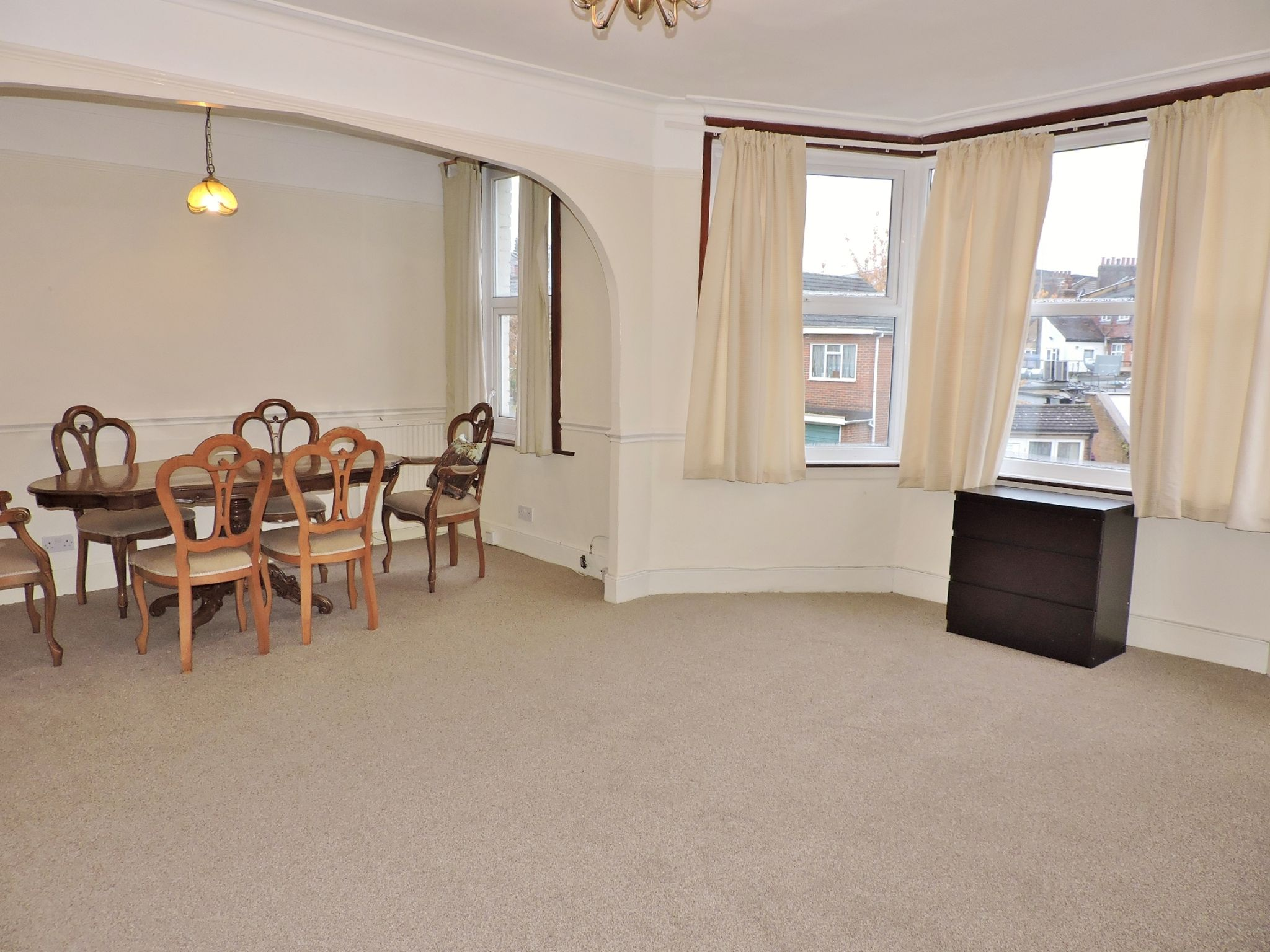 4 bedroom maisonette flat/apartment To Let in New Malden - Property photograph