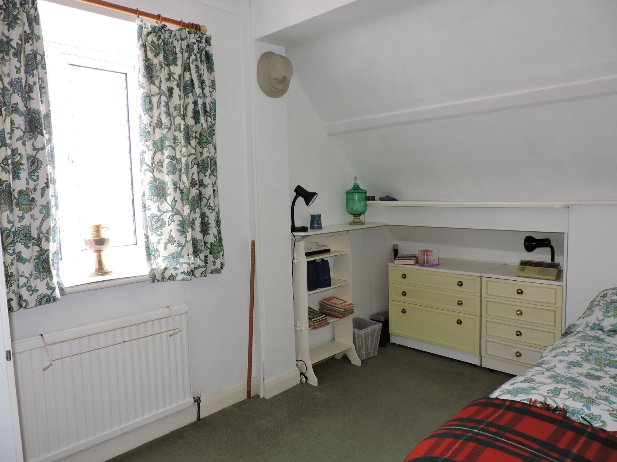 3 bedroom semi-detached house SSTC in Kingston Upon Thames - Photograph 13