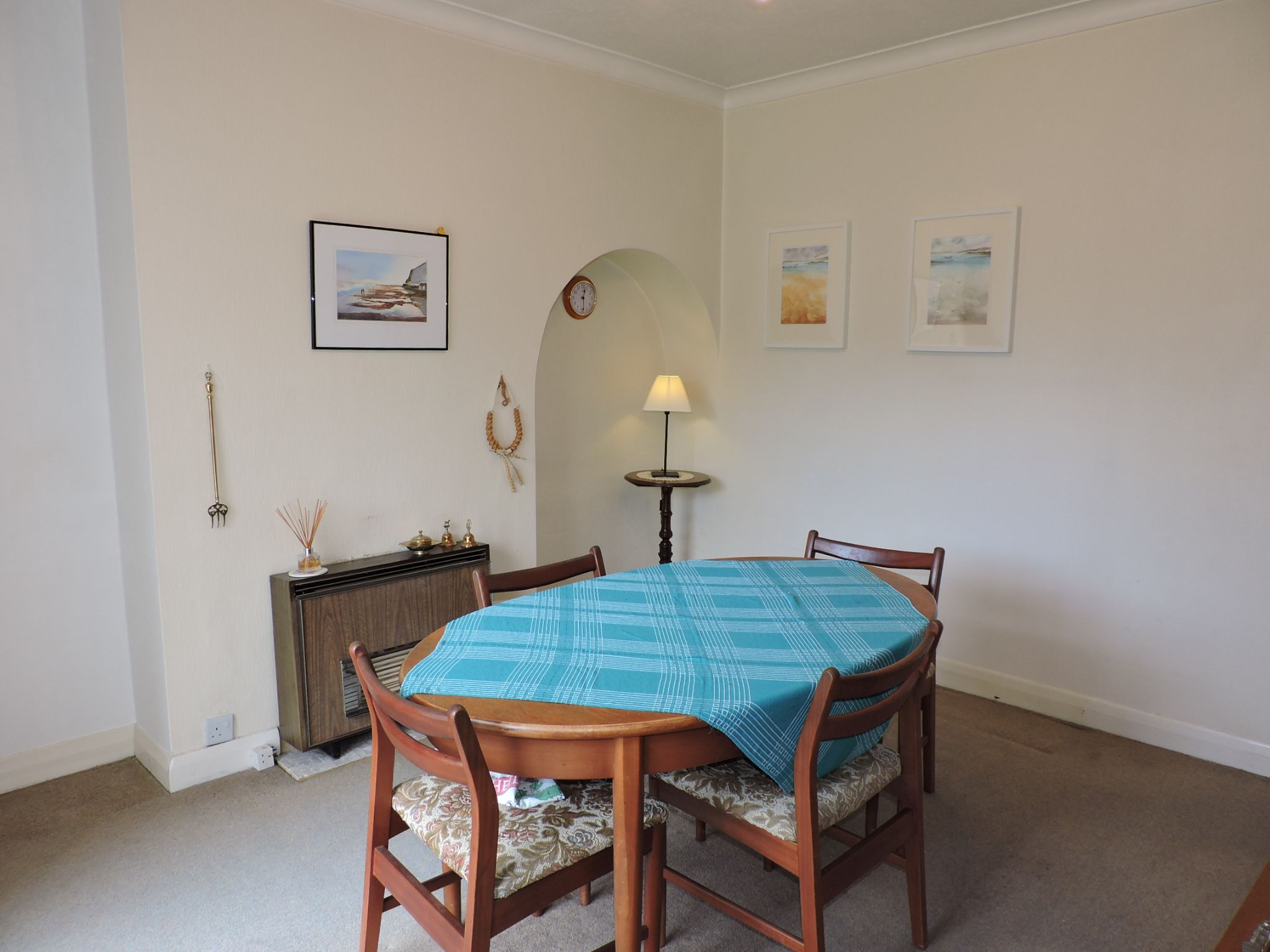 3 bedroom semi-detached house SSTC in Kingston Upon Thames - Photograph 6