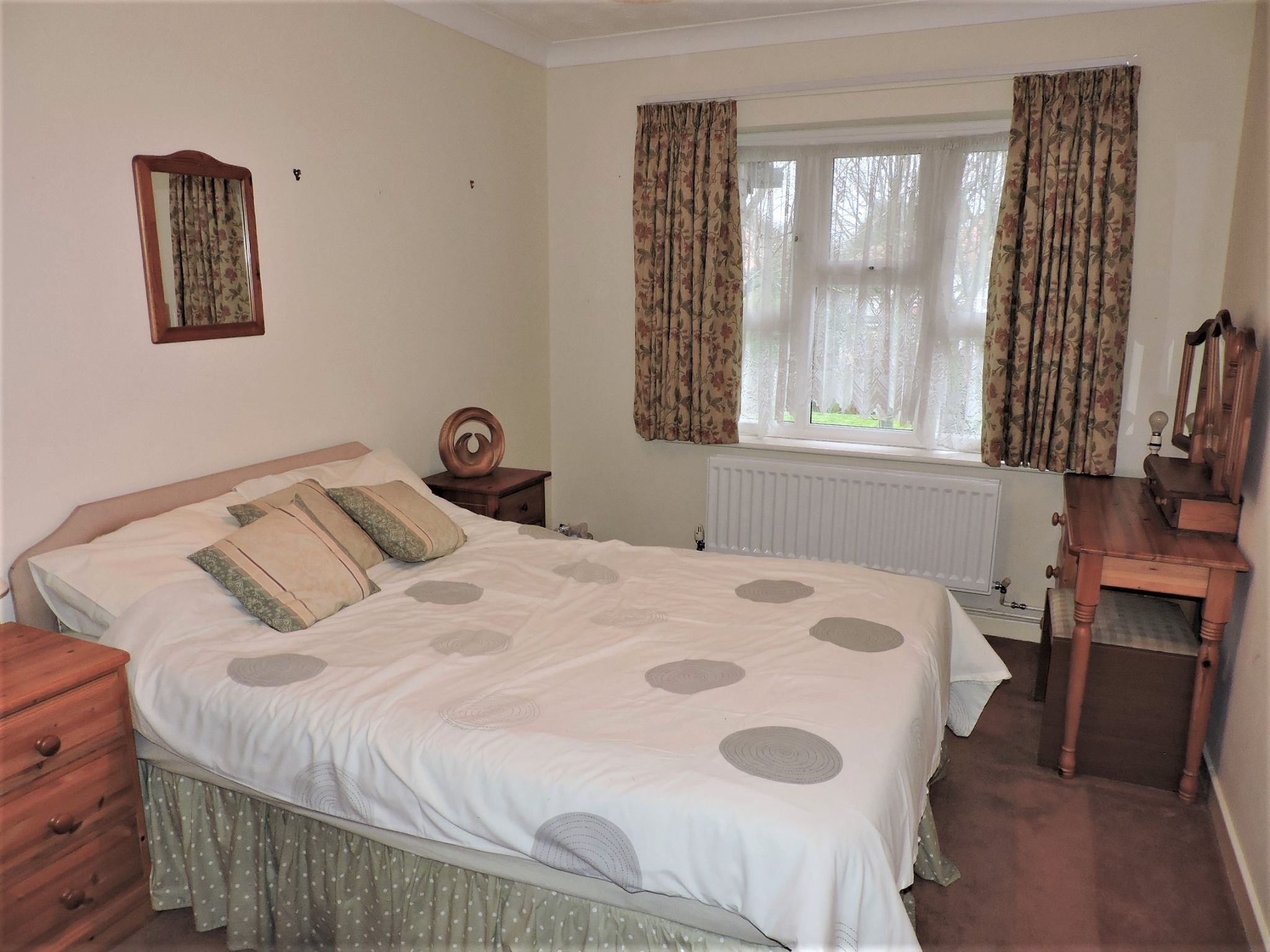 1 bedroom apartment flat/apartment Sale Agreed in New Malden - Photograph 7