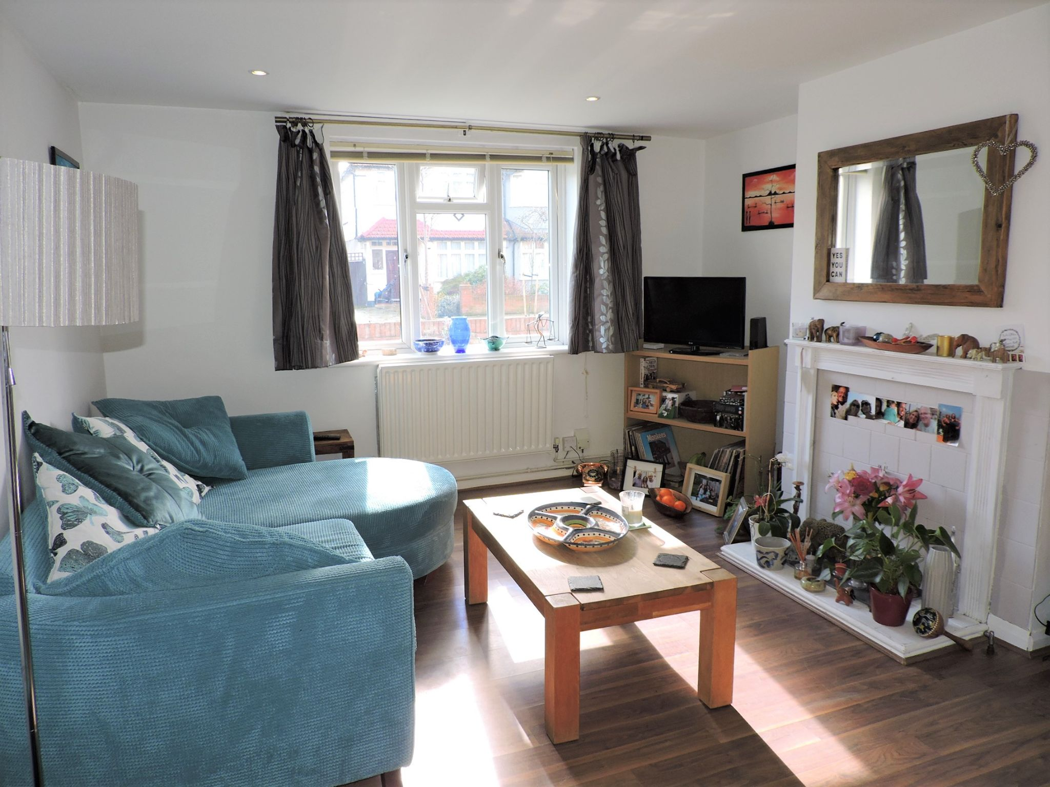 2 bedroom flat flat/apartment Sale Agreed in New Malden - Property photograph