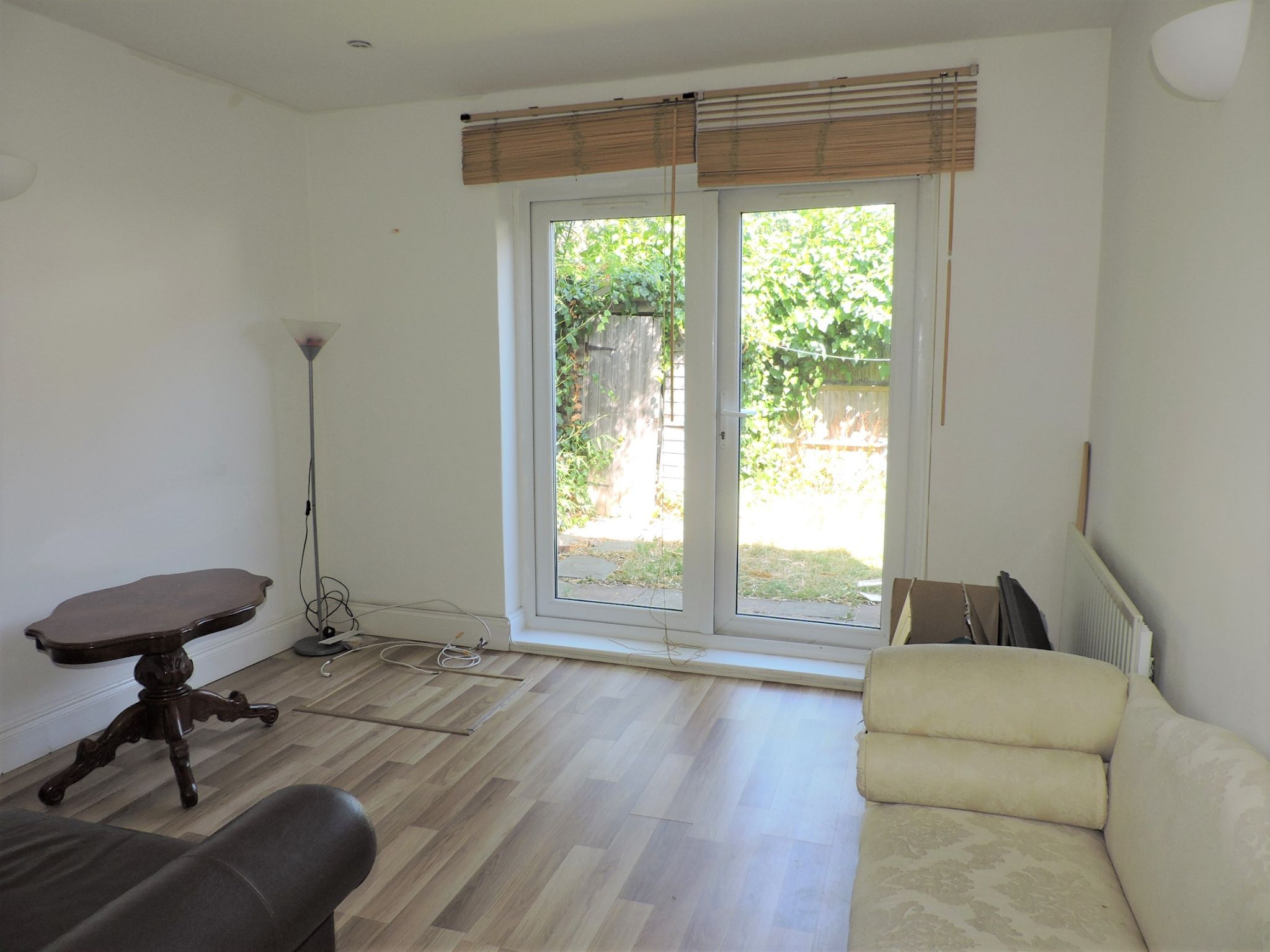 2 bedroom ground floor flat/apartment To Let in New Malden - Property photograph