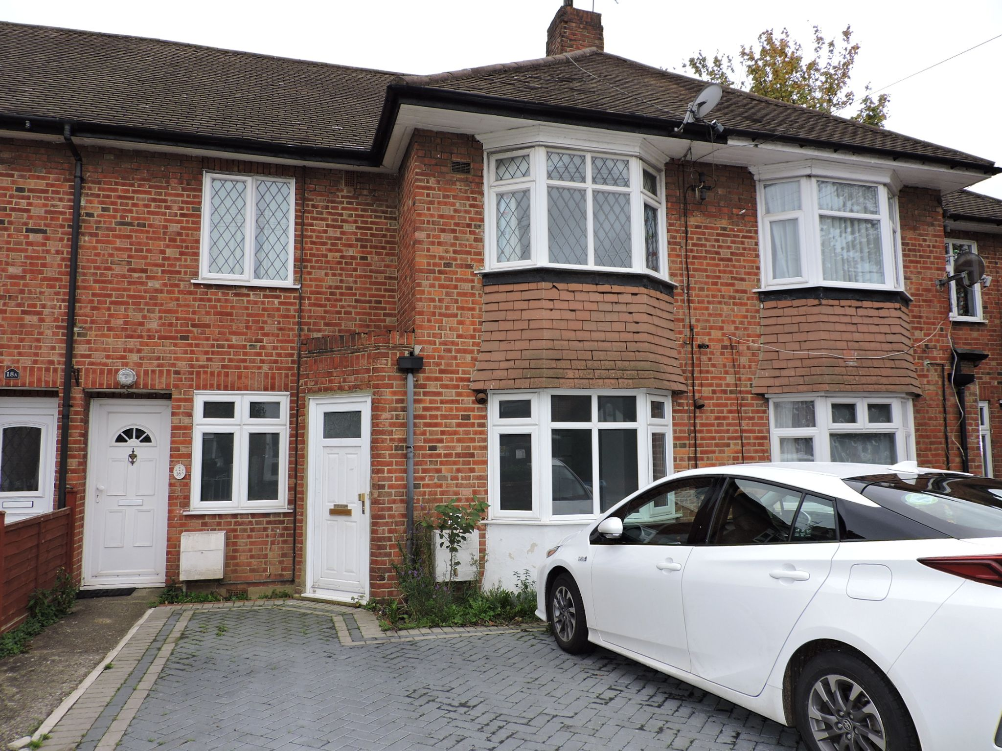 2 bedroom ground floor maisonette flat/apartment Let Agreed in New Malden - Photograph 1