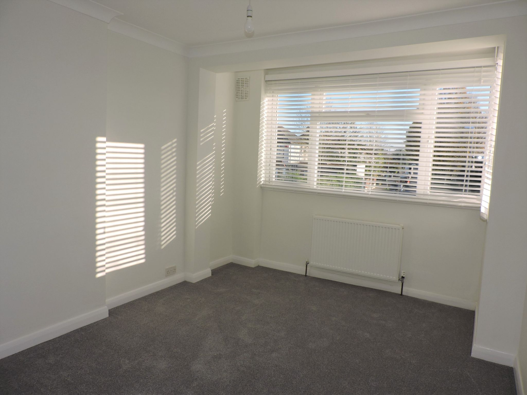 3 bedroom end terraced house Let Agreed in New Malden - Photograph 10
