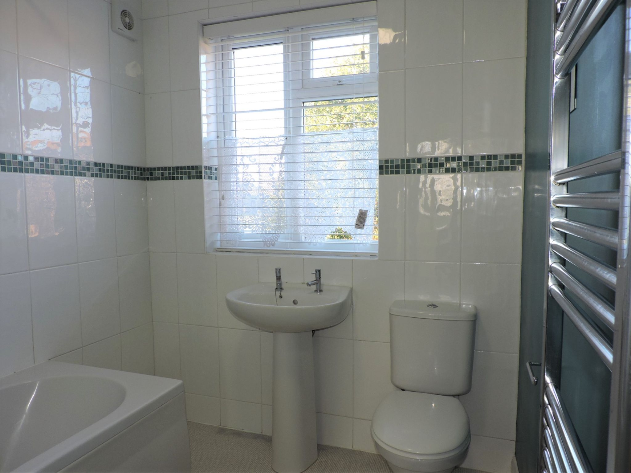 3 bedroom end terraced house Let Agreed in New Malden - Photograph 14