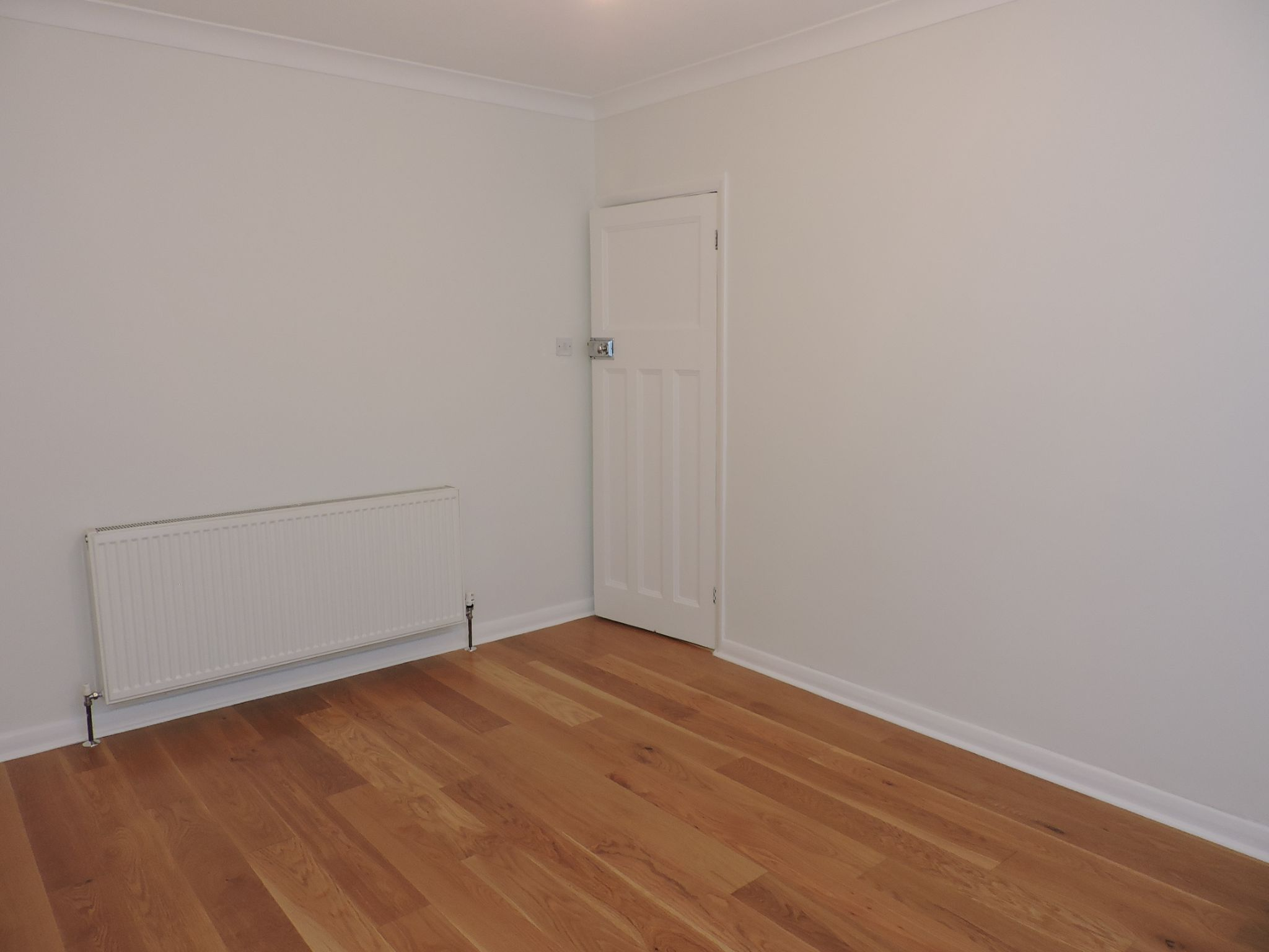 3 bedroom end terraced house Let Agreed in New Malden - Photograph 7