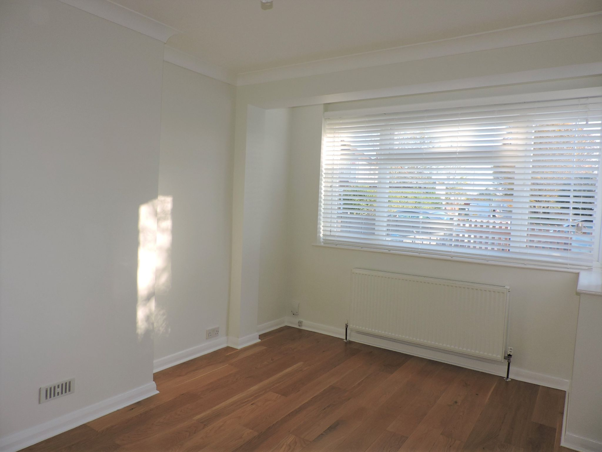 3 bedroom end terraced house Let Agreed in New Malden - Photograph 3