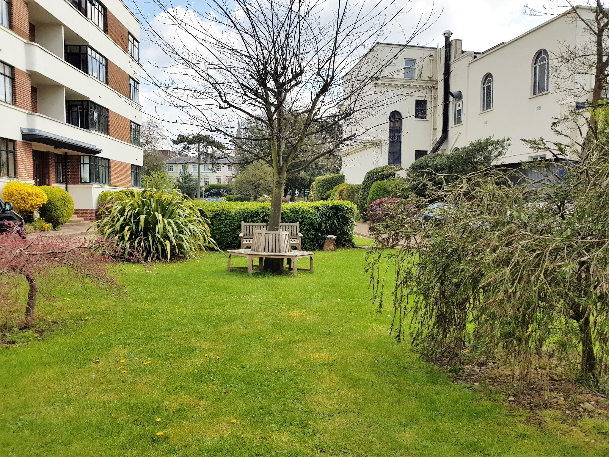 2 bedroom flat flat/apartment Sale Agreed in Surbiton - Photograph 15