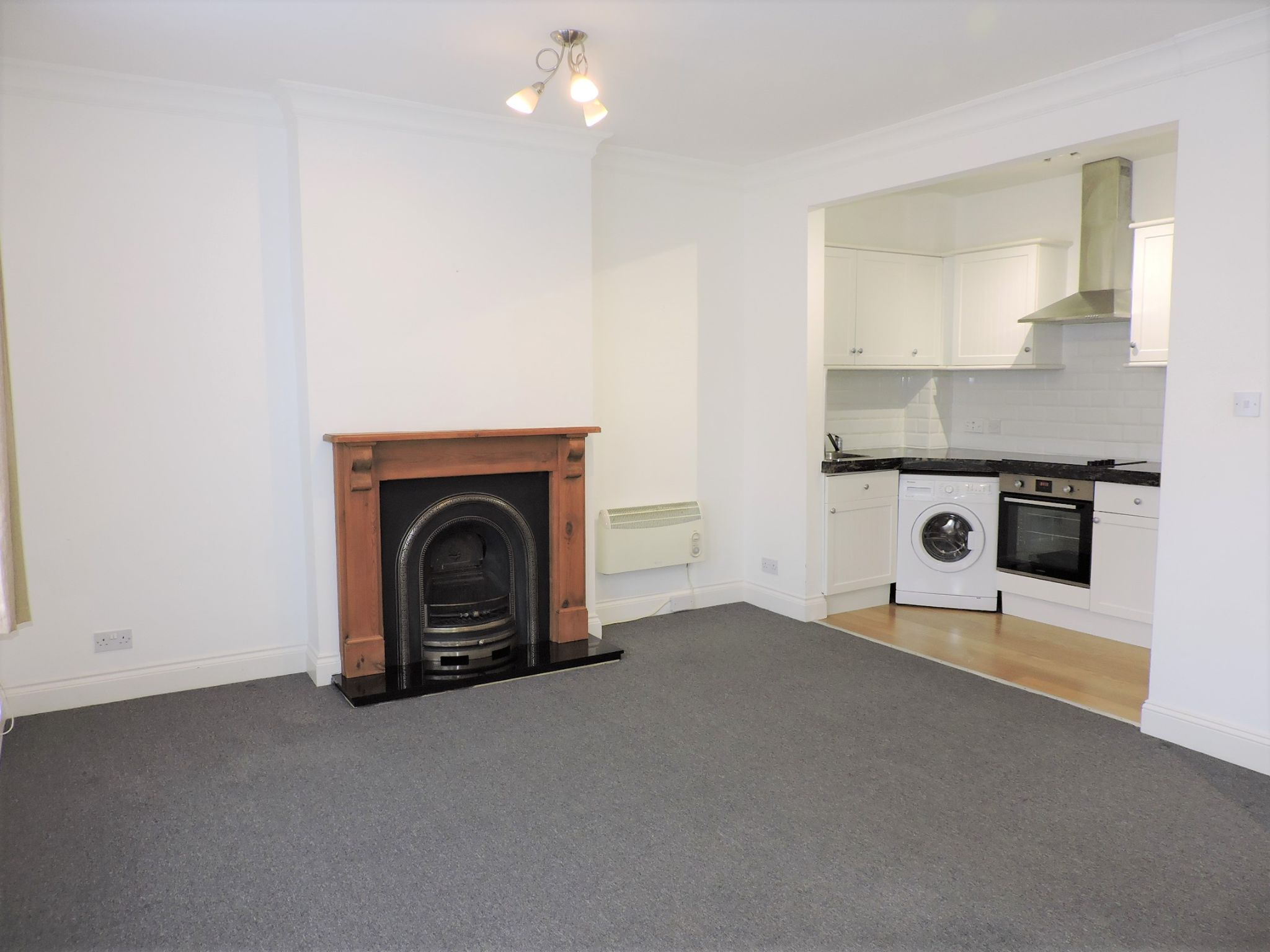 1 bedroom flat flat/apartment Let in New Malden - Photograph 1
