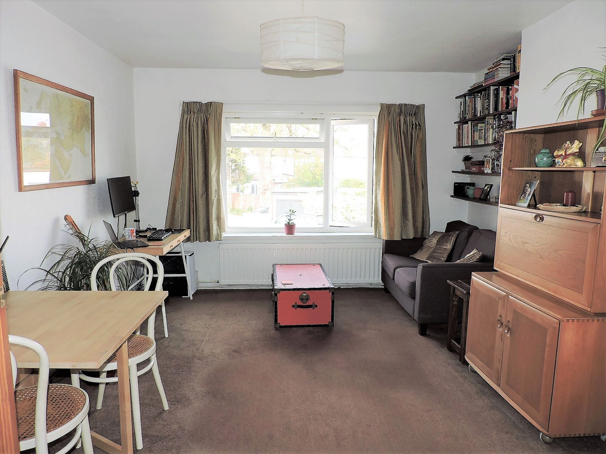 2 bedroom flat flat/apartment For Sale in New Malden - Property photograph