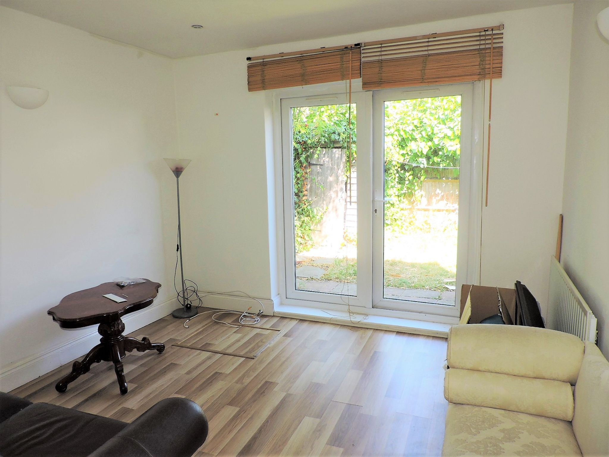 2 bedroom flat flat/apartment Let in New Malden - Property photograph
