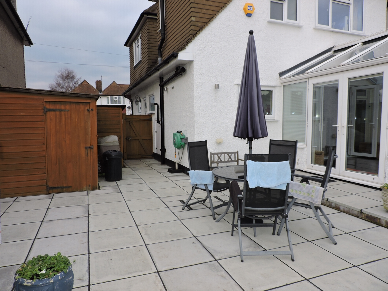 4 bedroom detached house SSTC in New Malden - Photograph 15
