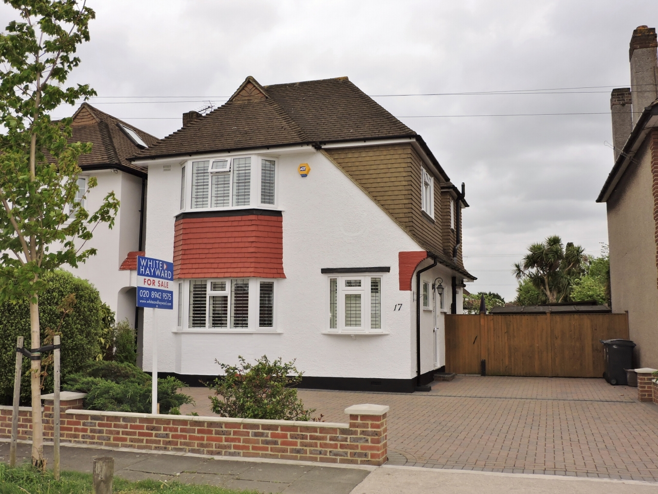 4 bedroom detached house SSTC in New Malden - Photograph 1