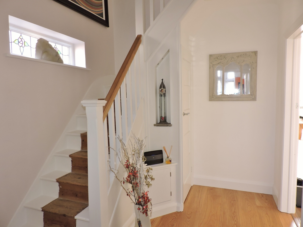 3 bedroom semi-detached house SSTC in New Malden - Photograph 2