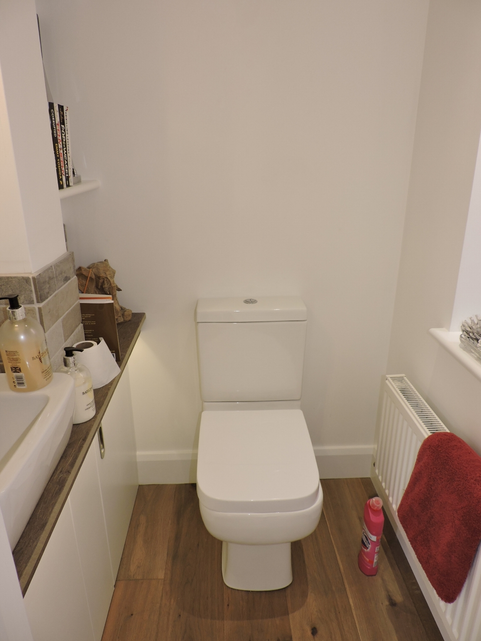 3 bedroom semi-detached house SSTC in New Malden - Photograph 10