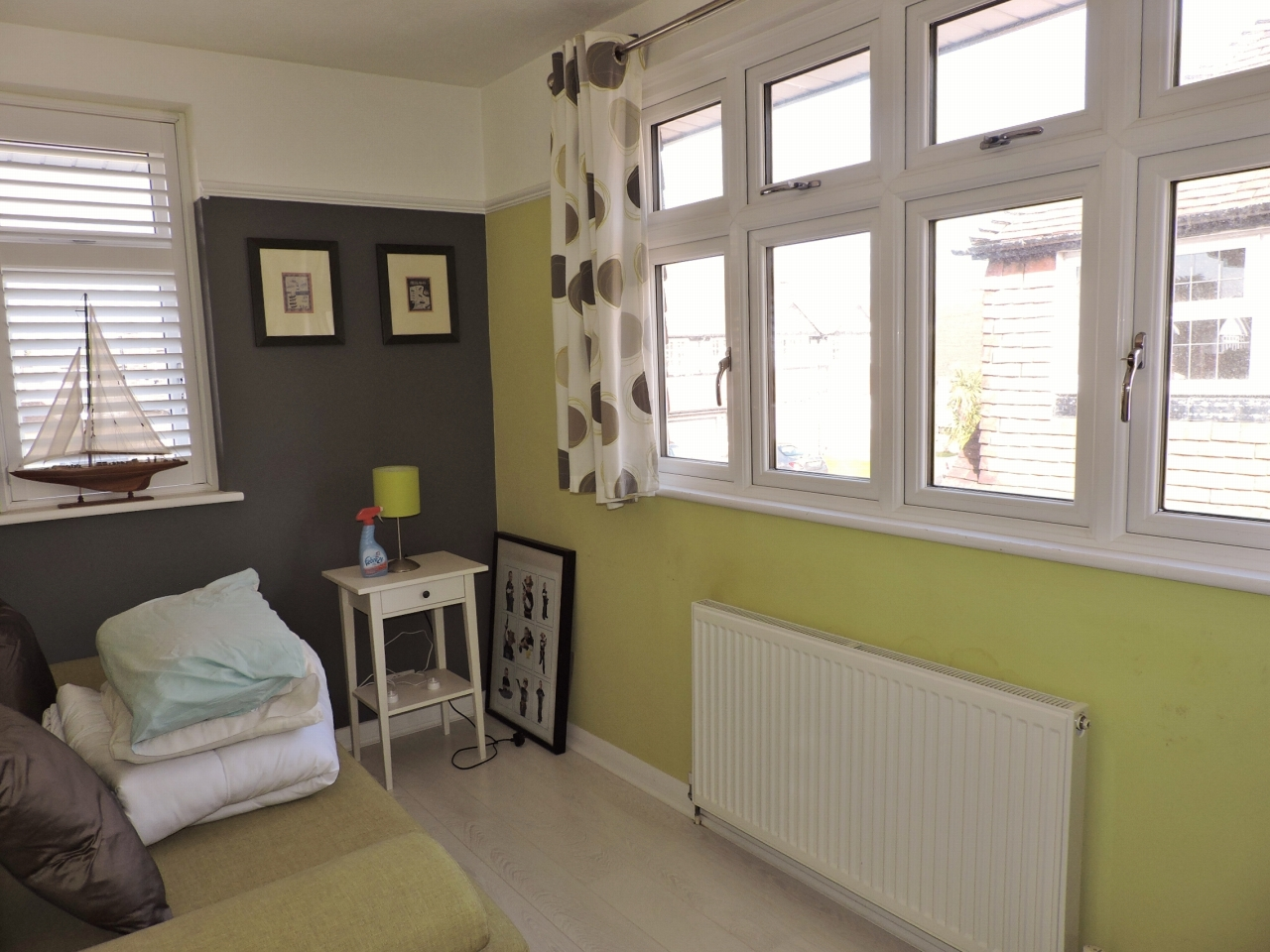 3 bedroom semi-detached house Sold in New Malden - Photograph 15