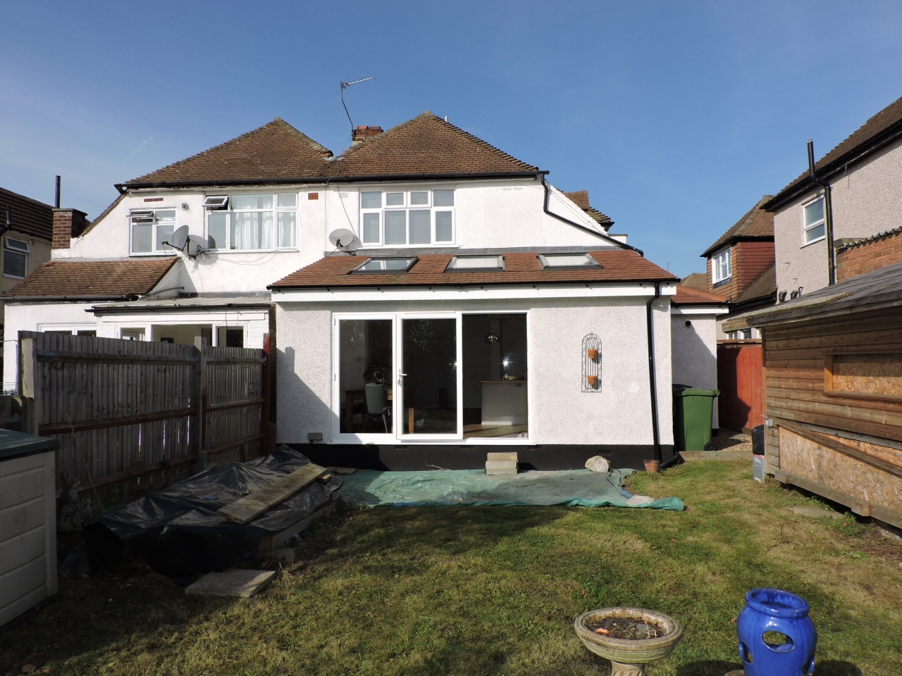 3 bedroom semi-detached house Sold in New Malden - Photograph 18