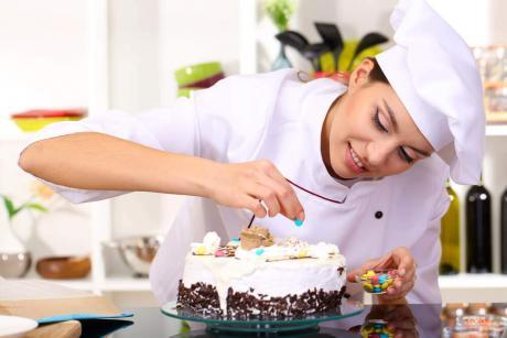 Diploma in Cake Baking and Decorating at QLS Level 3