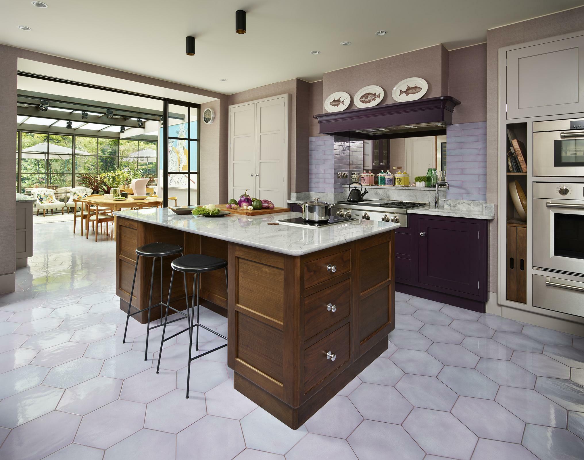 Kitchen Featuring Sealed Burner Rangetop