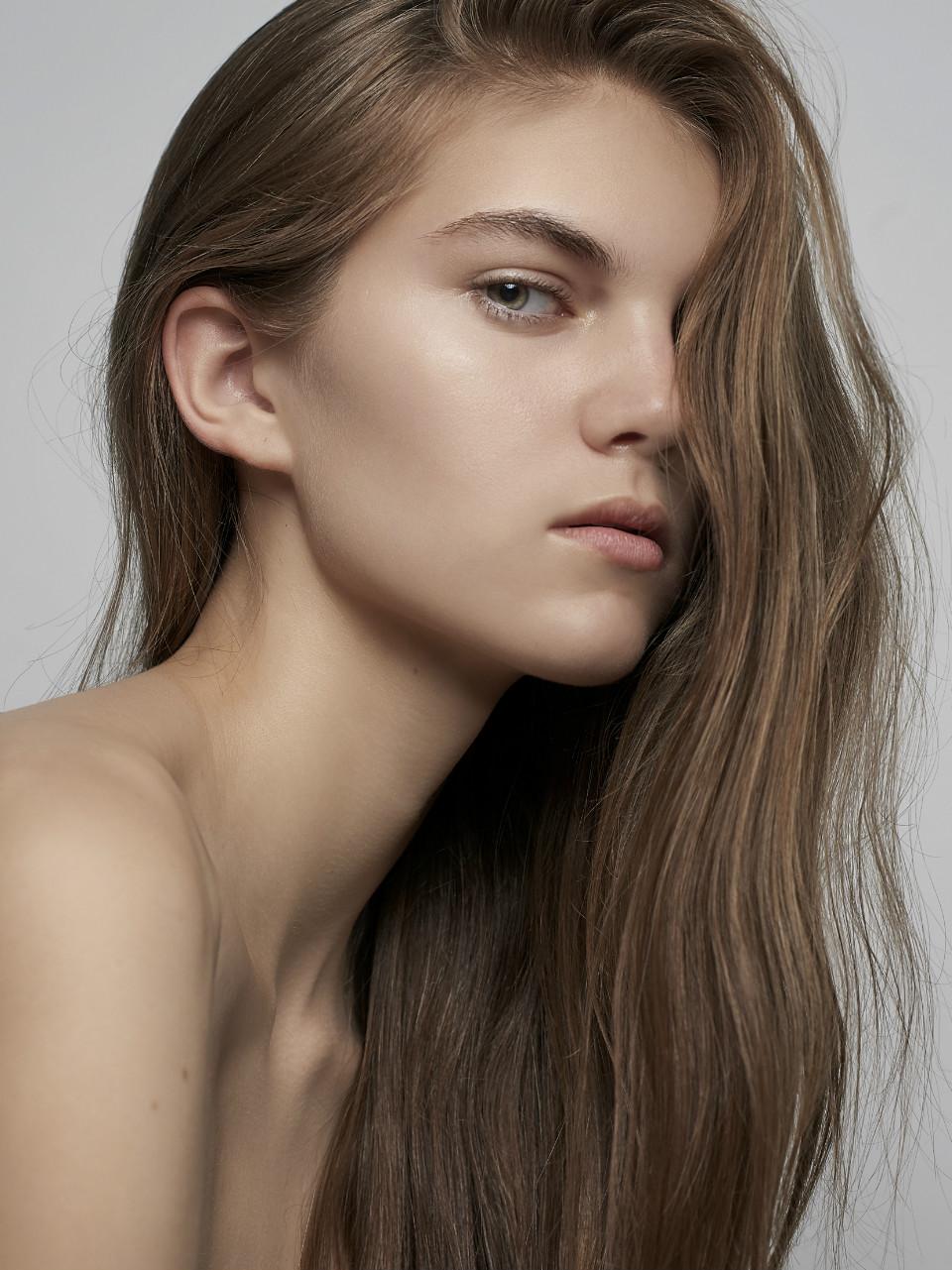 Gaby Elizalde Nude Photos 41