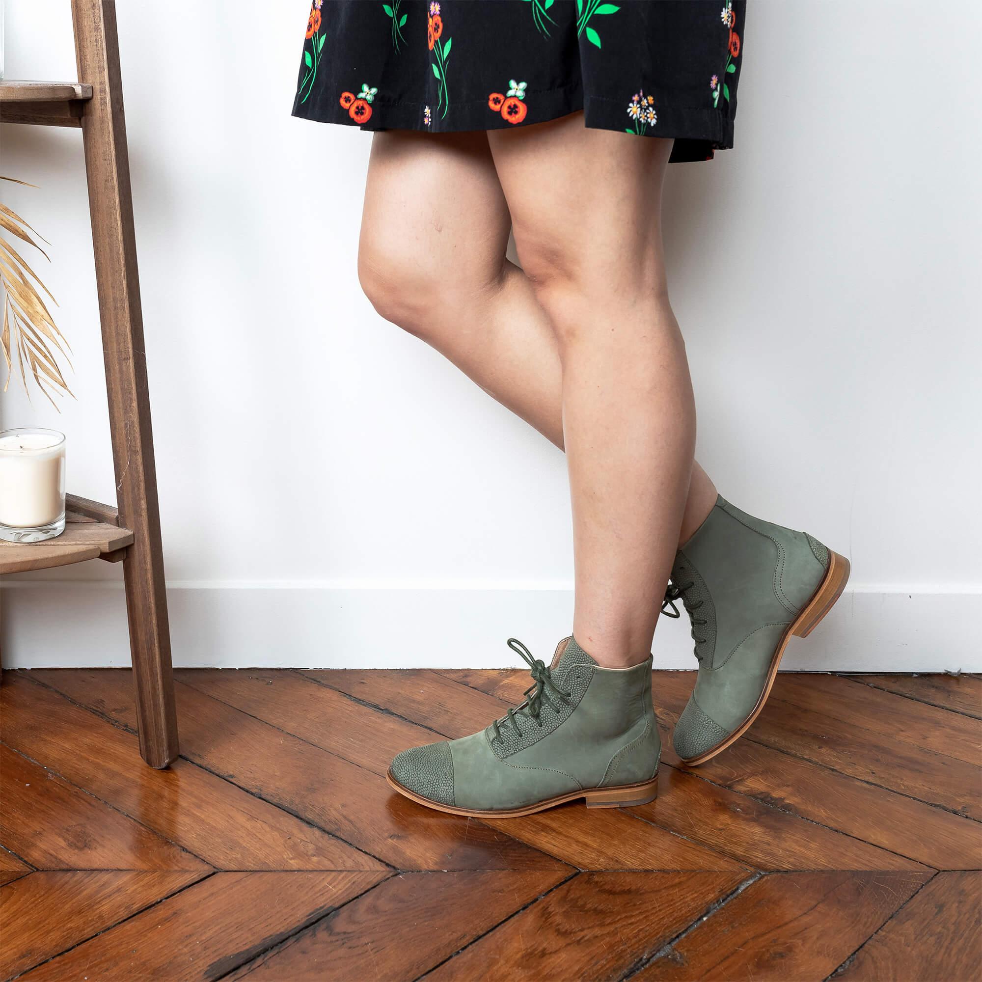 Mama Kiwi Khaki suede boots picture