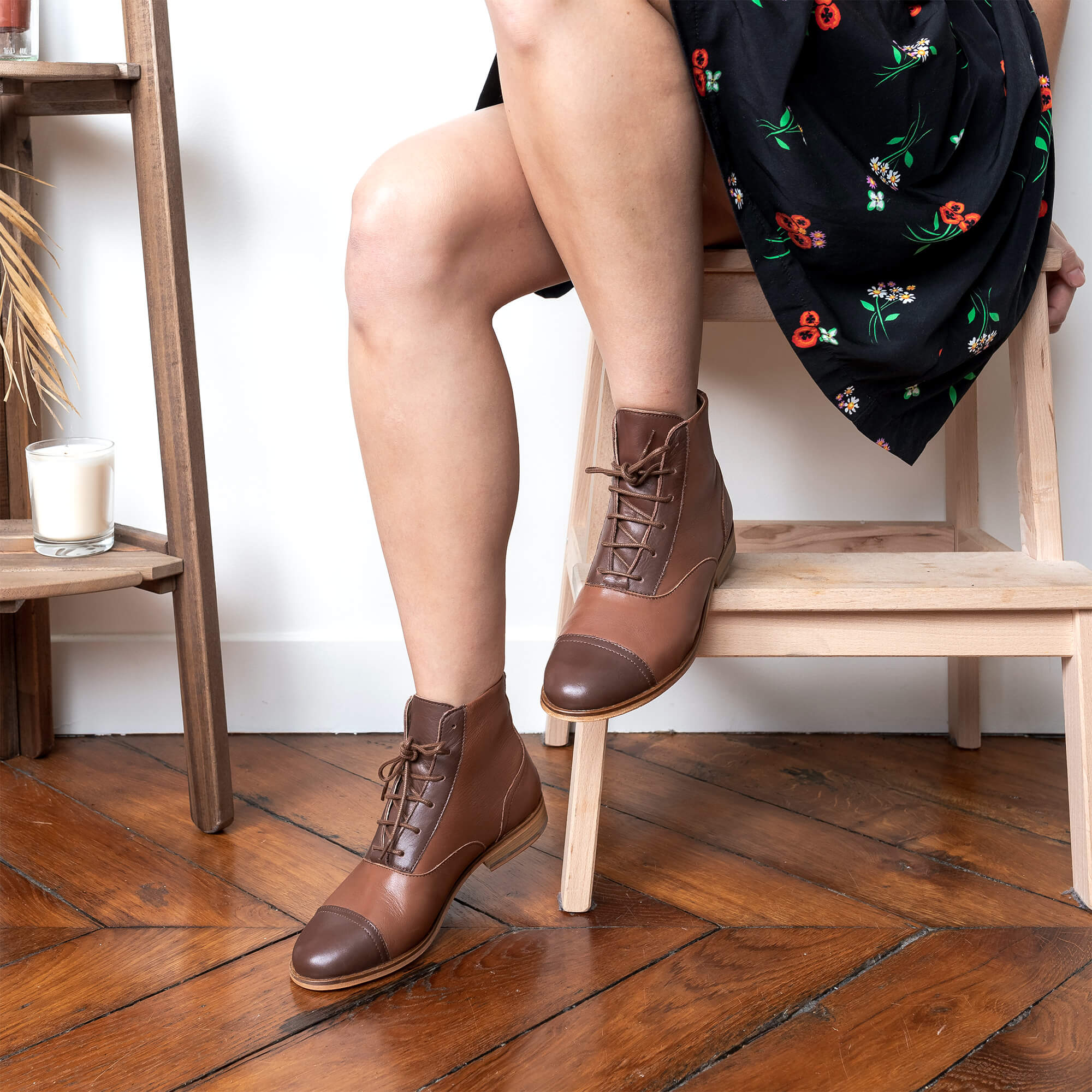 Photo de Mama Chestnut Bottines cuir marron et marron foncé