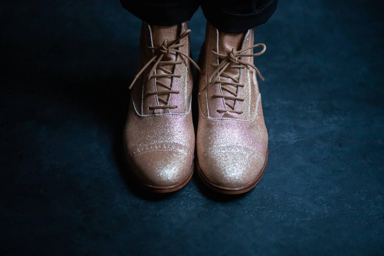 Comment porter des chaussures à paillettes ?