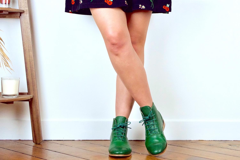 Comment porter des bottines avec une robe ?
