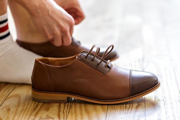 chestnut brown derbies with socks