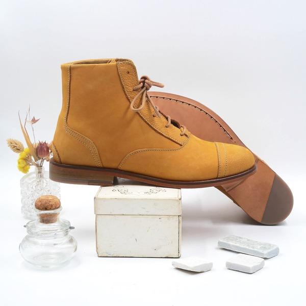 photo Mama Sandy Mustard yellow nubuck boots