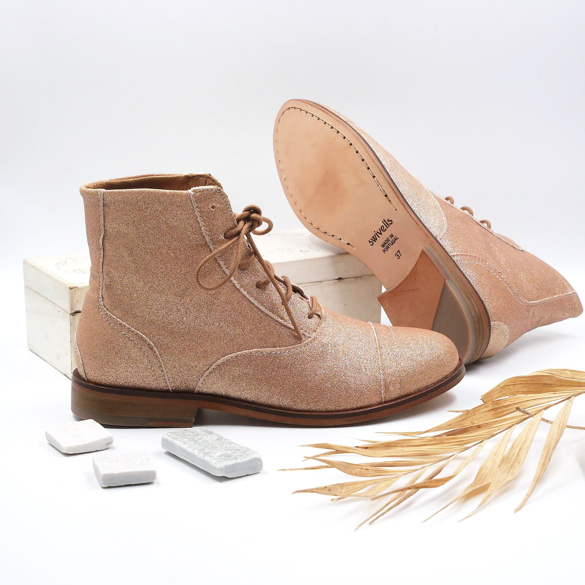 Mama Champagne Champagne rose gold glitter boots picture